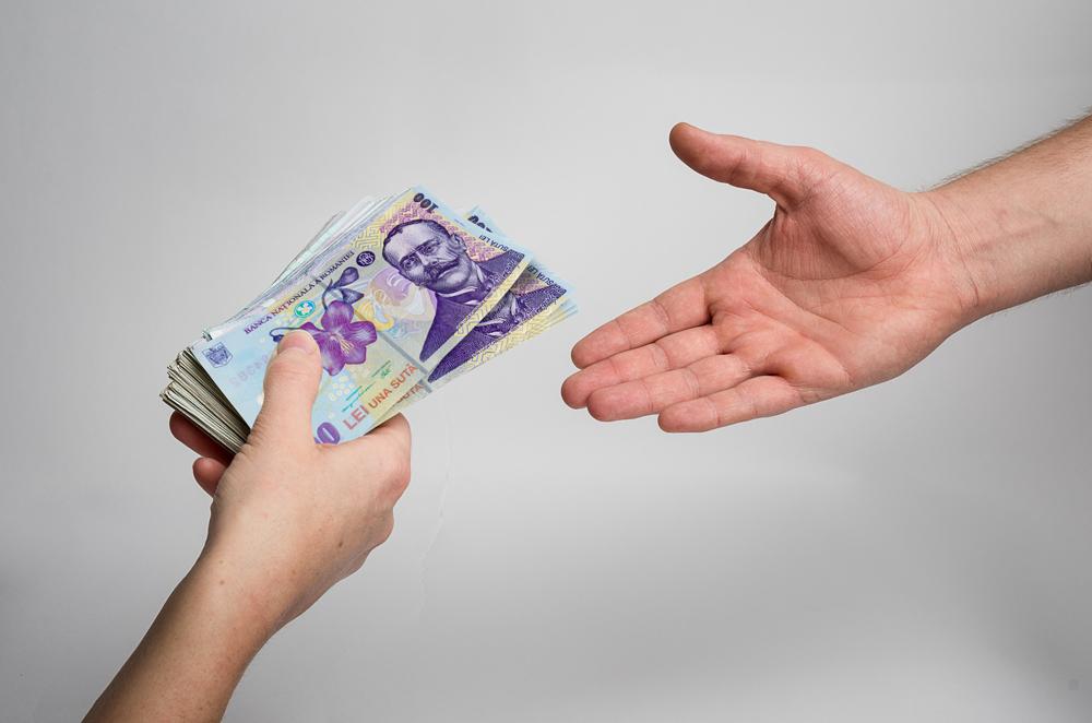 bani imprumut online